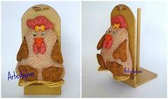 Galinha porta papel toalha (artesbybax - Carmen) Tags: galinha porta papel madeira tecido portarolo portapapel portapapeltoalha galinhatecido