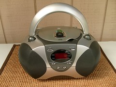 Durabrand CD-1095 (CapCase) Tags: radio stereo boombox receiver radios amfm cdplayer durabrand