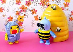 If Winnie the Pooh can do it.... (DollyBeMine) Tags: bear cute travelling japan toy japanese robot costume outfit funny crochet sunny bee clothes plastic honey domo kawaii figure futurama bender custom domokun crocheted hive qee trekker toysundaybears