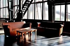 Ruhepause in der Kohlenwäsche (GelsenBuer) Tags: light licht cafe essen shadows interior couch pause schatten zechezollverein kohlenwäsche coalminezollverein