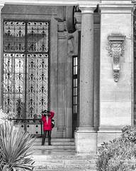 le photographe NKSEp cs X-E1 DSCF3935 (mich53 - (Thanks for 1000000 Views!)) Tags: red portrait paris france art monument monochrome architecture muse fujifilm escalier photographe petitpalais xe1 couleursslectives fujinonxf1855mmf28rlmois