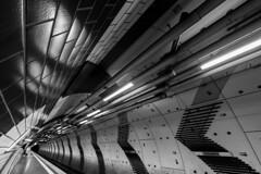 <<Karlsplatz<< (Blende1.8) Tags: station underground lumix essen metro wideangle panasonic g5 ubahn karlsplatz weitwinkel fluchtpunkt 714mm ultraweitwinkel dmcg5 carstenheyer