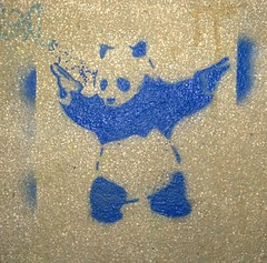 Panda with guns, Annecy 2015 (Denis Bocquet) Tags: street art stencil panda gun