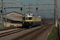 BLS Ltschbergbahn Leichttriebzug Blauer Pfeil BCFe 4/6 Nr. 736 ( Triebzug BCFZe 4/6 => Baujahr 1938 => Hersteller SIG - SAAS )  am Bahnhof Kerzers im Kanton Freiburg - Fribourg der Schweiz (chrchr_75) Tags: chriguhurnibluemailch christoph hurni schweiz suisse switzerland svizzera suissa swiss chrchr chrchr75 chrigu chriguhurni mrz 2015 bahn eisenbahn schweizer bahnen train treno zug albumzzz201503mrz albumbahnenderschweiz albumbahnenderschweiz201516 albumblsltschbergbahn bls ltschbergbahn juna zoug trainen tog tren  lokomotive  locomotora lok lokomotiv locomotief locomotiva locomotive railway rautatie chemin de fer ferrovia  spoorweg  centralstation ferroviaria