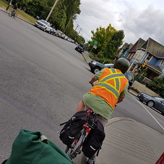 vehicular vests - 20160519_163500 (roland) Tags: bicycle vancouver bicycling chinatown commuting vest eastvan reflectivevest bicyclingfromwork vehicularvests