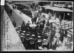 """""""Sailors taking children in coffins from the Lady Grey at Quebec following the sinking of the RMS Empress of Ireland"""", 1914 [5497  3928] #HistoryPorn #history #retro http://ift.tt/27XIuPK (Histolines) Tags: history retro timeline 1914  vinatage 3928 5497 historyporn histolines sailorstakingchildrenincoffinsfromtheladygreyatquebecfollowingthesinkingofthermsempressofireland httpifttt27xiupk"""