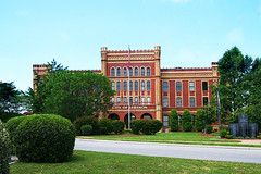 Lebanon Tennessee City Hall (redhorse5.0) Tags: brickbuilding middletennessee lebanontennessee castleheightsmilitaryacademy sonya850 redhorse50 historicbrickbuilding lebanontennesseecityhall cityoflebanontennessee