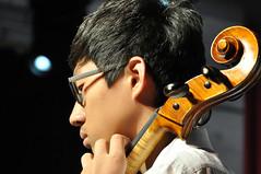 Korneuburg Konzert DSC_0030 (reinhard_srb) Tags: show japan licht musiker cello stadt musik konzert schnecke ton schler publikum noten violine bhne orchester auftritt klassik werft korneuburg saiten griffbrett streichinstrument wirble