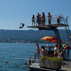 Diving, Strandbad Tiefenbrunnen, Zurich (HardieBoys) Tags: beach switzerland europa europe zurich strandbad tiefenbrunnen