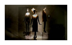 Srie du 09 06 16 : NIght's Bruges (basse def) Tags: girls woman night mannequins belgium bruges shopwindows monochromes
