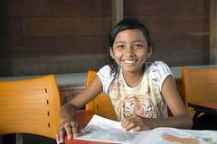 _TEF5433 (Edson Grandisoli. Natureza e mais...) Tags: sala escola menina aula leitura amaznia lendo educao ribeirinha cabocla regionorte jovemlivro