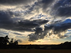 Clouds at Sunset (Marc Sayce) Tags: cloudporn clouds fields hampshire headley sundown sunset