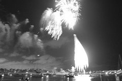 Fireworks Marina del Rey, California (franciscovillasenorpictures) Tags: leica fireworks 5 4thofjuly dlux marinadelrey dlux5