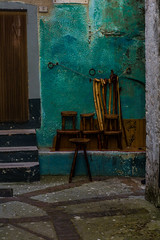 Chairs, Vico del Gargano, Puglia, Italy (Davide Tarozzi) Tags: italy cane sticks italia chairs sedie puglia bastoni viuzze borghipibelliditalia vicodelgargano