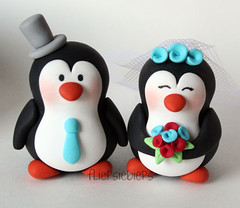 Penguin Cake Topper (fliepsiebieps_) Tags: wedding bunny animal monkey penguins duck panda sheep moose figurines clay snowmen customized hedgehog custom whimsical custommade weddingcaketopper weddingcaketoppers handmadecaketoppers fliepsiebieps