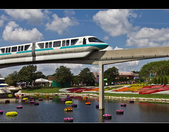 Monorail Monday XLV - Volume 3 (DugJax) Tags: monorail waltdisneyworld epcotcenter futureworld ef24105mmf4lisusm internationalflowerandgardenfestival monorailteal canonrebelt2i