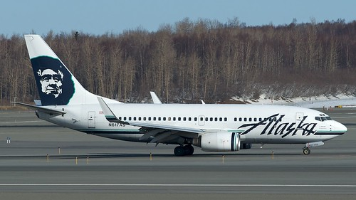 Alaska Airlines Boeing 737-700 N617AS