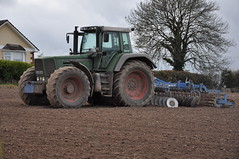 Fendt 818 Favorit 818 Tractor & Lemken Rubin 3 Grubber (Shane Casey CK25) Tags: county ireland irish 3 tractor field barley spring power farm cork farming grain working till crops farmer agriculture planting cultivation tilling favorit rubin 818 prior fendt grubber tillage lemken bartlemy