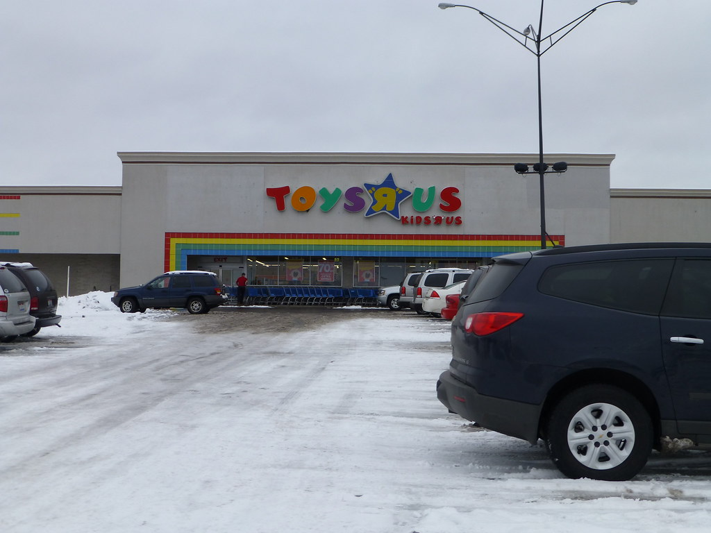 Toys R Us Mall : The world s newest photos of ohio and toysrus flickr