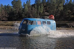 Team Deaf Volks at the Creek Crossing (zombikombi1959) Tags: california bus northerncalifornia vw creek river drycreek crossing offroad splash camper sst 2013 offthebeatentrack shastasnowtrip