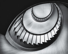 The Eye (Lapsklaus) Tags: monochrome architecture stairs stairwell trapper spiralstairs