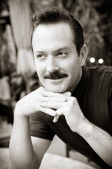 Tom Lennon and his mustache. (Drongowski) Tags: portrait celebrity dangle thomaslennon tomlennon drongophoto