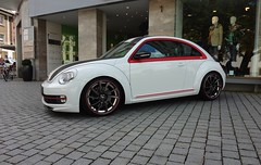 VW Beetle II New Generation (2013) Abt 5CO (1) (H2O74) Tags: auto new red 2 white black rot blanco car vw century race volkswagen tdi rojo automobile dr stripes beetle voiture ii german coche carro modified mk2 packet 20 tuner tiefer tuning quick rood rosso bianco schwarz abt sporty rallye aero aufkleber kfer streifen breiter 1819 neuer automobil schneller pkw weis felgen kfz kempten sportsline getunt 2013 kraftfahrzeug rennstreifen 5co frontspoiler foliert carbonfolie scheinwerferblenden hinterdrehtes felgenbett