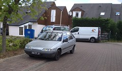Citroen ZX de 1992 344 TF 37 - 16 mai 2013 (Rue Agnes Sorel - Joue-les-Tours) 1 (Padicha) Tags: auto new old bridge france water grass car station electric truck river french coach ancient automobile eau indre may police voiture ruine cher rest former 37 nouveau et loire quai franais nouvelle vieux herbe vieille ancienne ancien fleuve nationale vehicule lectrique reste gendarmerie gazon indreetloire franaise pave nouveaut vhicule utilitaire restes vgtalise letramdetours padicha