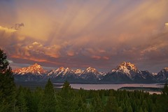 Majestic Morning - Grand Tetons National Park, Wyoming (ernogy) Tags: morning trees sky usa color nature clouds forest sunrise canon landscape outdoors us day cloudy jagged wyoming grandtetons peaks beams jacksonhole alpenglow jacksonlake grandtetonsnationalpark signalmountain mtmoran leefilter morningmajesty ernogy majesticmorning