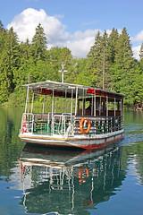 flowers reflection forest boat nationalpark tour sony lakes free croatia unesco waterfalls dennis jarvis insight iamcanadian freepicture plitvicelake dennisjarvis archer10 dennisgjarvis nex7 sel35f18 18200diiiivc