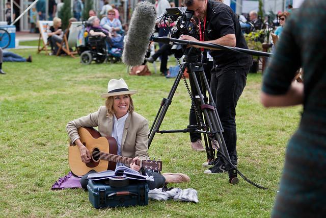 Cerys Matthews plays guitar