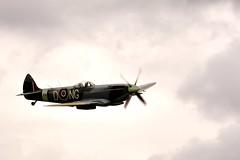 Supermarine Spitfire Mk XVI (Arndted) Tags: sky airplane flying nikon sweden aircraft aviation sigma airshow spitfire supermarine biltema d90 borås viared ex100300f4 supermarinespitfiremkxvi boråsairshow biltemaairshow viaredflygfält