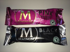 Magnum Pink & Black (Like_the_Grand_Canyon) Tags: ice am cream creme eis stiel
