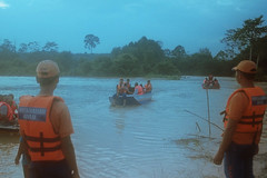 Waiting (bayualamfoto) Tags: rescue film photography team flood ishootfilm portra masjid kuantan pahang catastrophe filem filmphotography temerloh wakaf filmcommunity believefilm kuantanku banjerosquad