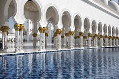 Sheikh Zayed Grand Mosque, Abu Dhabi. (miketonge) Tags: reflections uae arches mosque abudhabi pillars sheikhzayedgrandmosque