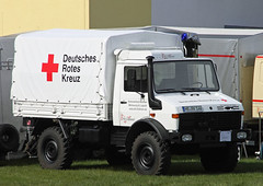 Red Cross Unimog (The Rubberbandman) Tags: auto red white truck work germany mercedes benz cross outdoor german vehicle l powerful unimog fahrzeug 1300 flatbed laster delmenhorst 1300l