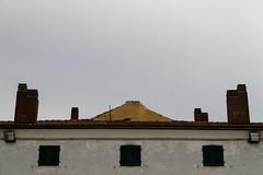 "case parallele  #morrodalba #italy #clod #giornatedifotografia #sensi #enricoprada #canon #casa #home (claudio ""clod"" giuliani) Tags: italy canon clod sensi morrodalba giornatedifotografia"