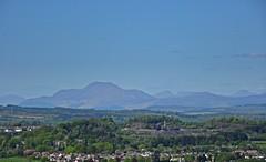 Here & There (Bricheno) Tags: mountain scotland village escocia benlomond szkocja schottland munro scozia renfrewshire cosse howwood whittliemuir  esccia   bricheno scoia