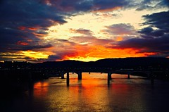 Happy Weekend!* (Roland 22) Tags: golden shadow clouds sky lights patterns flickr yellow orange blue red reflection colors glow sunset tennesseeriver chattanoogatennessee