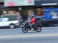 Motorbike en la avenida (Natyfotografa) Tags: moto barrido motocicleta vehculo