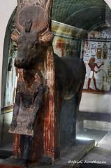 Hathor and Amenhotep II (konde) Tags: statue museum ancient goddess chapel frieze cairo limestone 18thdynasty hieroglyphs thebes hathor deirelbahri thutmoseiii newkingdom mortuarytemple tuthmose khekeru