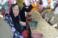 DSC06983 (Almixnuts) Tags: market tani pasar outdoormarket pasartani
