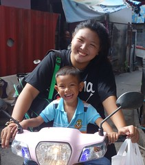mother and son (the foreign photographer - ) Tags: portraits thailand bangkok sony mother son motorcycle bang bua khlong bangkhen rx100 dscjun112016sony