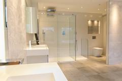 3L5A6439 (terrygrant1) Tags: bathroom porcelain tiling