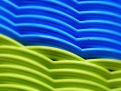 Azules y verdes (camus agp) Tags: panasonic juguetes ondas azules plasticos fz150