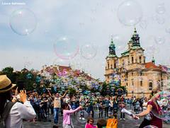 Praga, Piazza della Citt Vecchia (2016) (Laura Salvalaio) Tags: strada praga piazza artista bolle