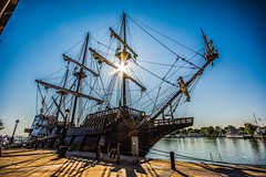 (lwebbshots) Tags: ship rochesterny geneseeriver sunflare elgaleon sigma10mm nikond7200