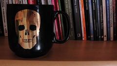 (Anaïz Dessartre) Tags: black skull golden books mug alexandreherchcovitch