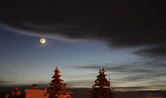 Moon sighting (Una S) Tags: sunset sky moon clouds twilight