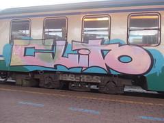 Immagine 096 (en-ri) Tags: train writing torino graffiti rosa crew azzurro clito uao